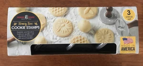 Photo New Nordic Ware bakeware - $10 (Canon City)