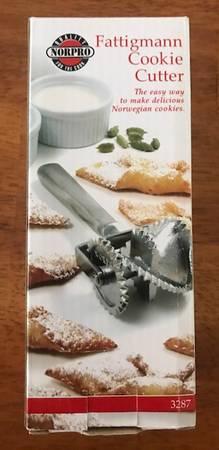 Photo Scandinavian cookie making utensils - $5 (Canon City)