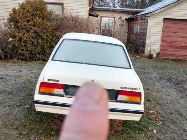 Photo 1985 Chevy cavalier - $100 (Palouse)
