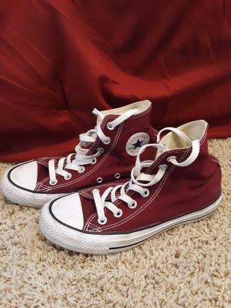 Photo CONVERSE ALL STAR MENS 4 WOMENS 6 - $12 (SPOKANE VALLEY)