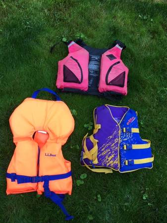 Photo Life jackets for kids - $10 (Pioneer Hill, Pullman)
