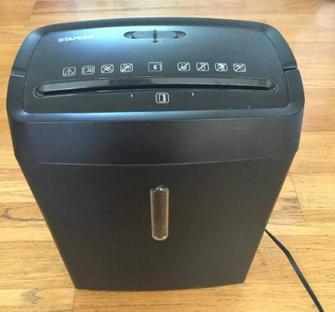 Photo SIX SHEET CROSS PAPER CUT SHREDDER STAPLES MODEL SPL-BXC6A - $15