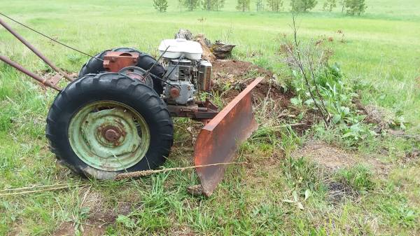 Photo Sears and Roebuck Garden Tractor - $350 (Deary Idaho)
