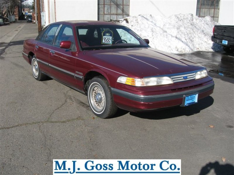 Photo Used 1993 Ford Crown Victoria LX for sale