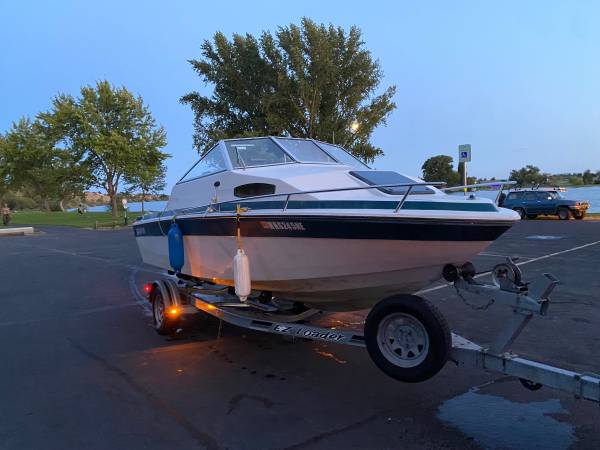 Photo clean title for boat and trailer - $6,000 (Moses Lake)