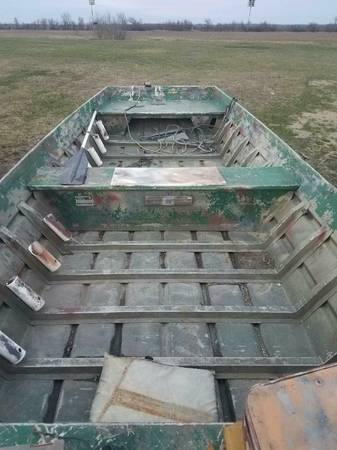 16 FLAT BOTTOM EXTRA WIDE EXTRA DEEP! - $1600 (Kewanee) | Boats