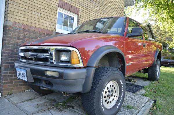 Photo 1995 Chevy S10 Truck ZR2 - $2,200 (CLINTON IOWA)