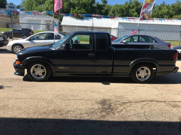 Photo 2001 Chevrolet S10 Xtreme RUNS GREAT - $2500 (1625 12th Ave South Clinton Iowa)