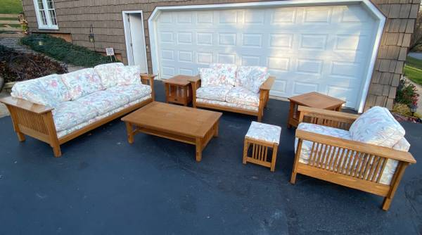 Photo Bassett Mission Style 7 Piece Living Family Room Set Couch Sofa Lovese - $550 (Bettendorf)