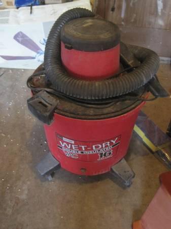 Photo Craftsman 16 Gallon Wet Dry Shop-Vac Vacuum - $20 (Bettendorf)