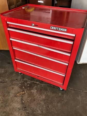 Photo Craftsman tool box on wheels - $150 (Rock island)