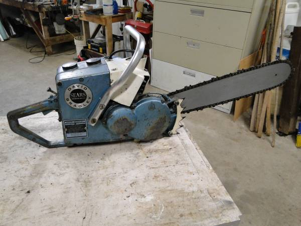 Photo David Bradley Chain Saw - $75 (Muscatine)