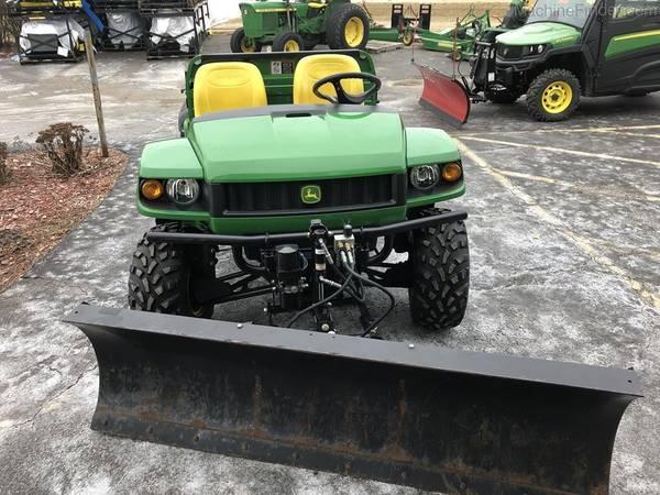 Photo John Deere HPX Gator includes Snow Plow - $6700 (Davenport)