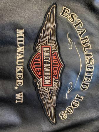 Photo Mens Harley Davidson Leather Leather Riding Varsity Jacket medium - $200 (Bettendorf)
