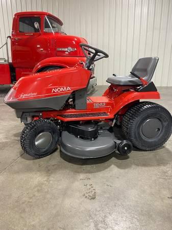 Photo New Noma lawn  garden tractor not John Deere - $975 (Davenport)