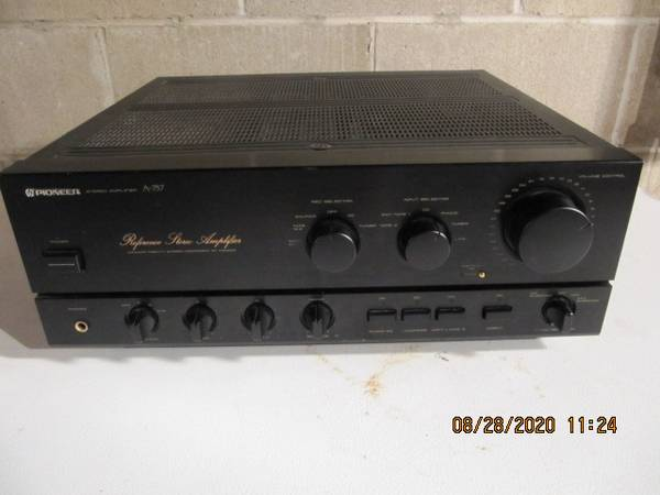Photo Pioneer A-757 Reference Integrated Amplifier - $200 (Rock Island)