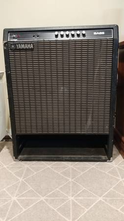 Photo Price Drop Yamaha Hundred 115B Bass Combo - $100