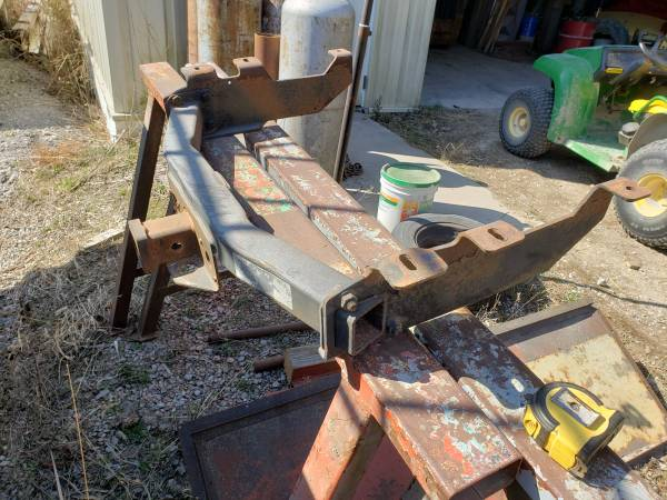 Photo Receiver Hitch 1994 Chevy 1.2 ton - $60 (Muscatine County)