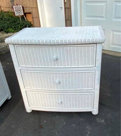 Photo Small White Wicker Dresser Side End Table Night Stand 2 Available $70 Each - $70 (Bettendorf)