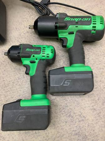 Photo Snap On Tools Impact Wrench Combo 38  12 lithium - $600 (Bettendorf)