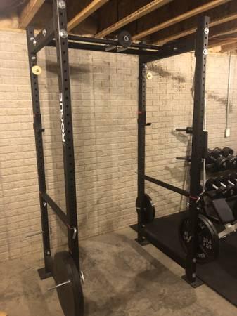 Photo Squat Rack - Row Machine - BiTri Machine, Fitness Equipment
