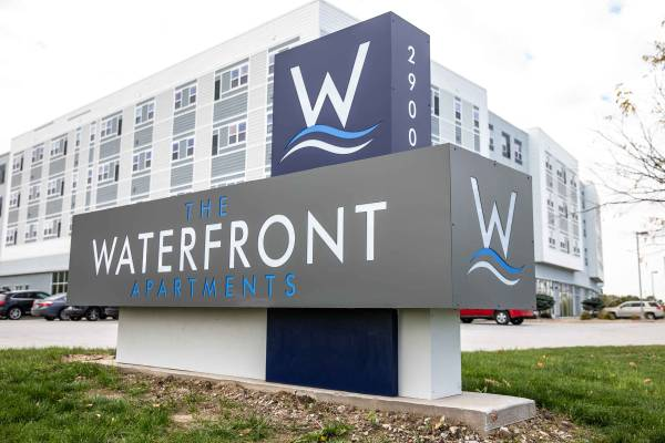 Photo The Waterfront Apartments - New Price Drop (Moline, IL)