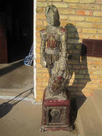 Photo Vintage Medieval Knight Armored Statue - $180 (bettendorf)