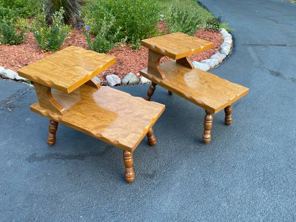 Photo Vintage Side Table Hi Low Step Table 2 Tier - $60 (Bettendorf)