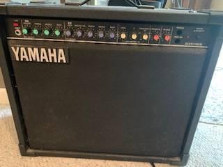 Photo Vintage Yamaha G100-112 III Combo Amplifier -100 Watt - $200 (Bettendorf)