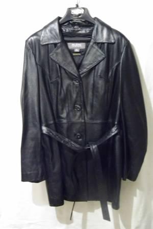 Photo Womens XL Wilson Leather Coat - $50 (Rock Island)
