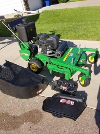 Photo commercial walk behind mower - $2800 (Davenport)