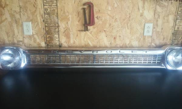 Photo old chevy truck grill 65 - $200 (galva)