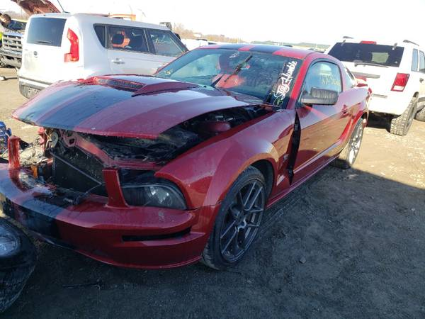 Photo 05 Mustang GT - Parting - $1,234 (Perryville, MO)