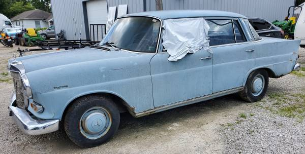 Photo 1967 Mercedes 200 Trades. Make me an offer - $2,200 (Monroe City)