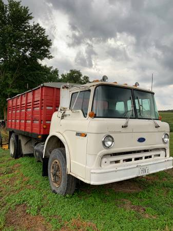 Photo 1987 Ford Cabover - $3,200 (Pittsfield)