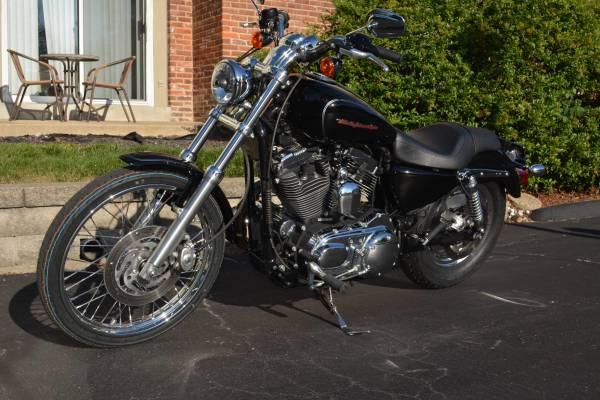 Photo 2005 Harley Davidson XL 1200 Custom - $4,350 (Creve Coeur)