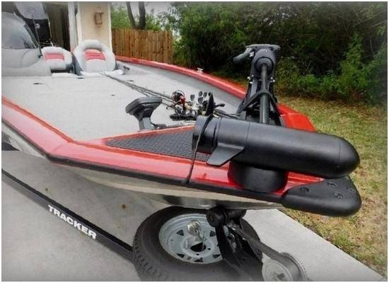 Photo 2015 Bass Tracker PRO BOAT BOAT AND TRAILER INCLUDED - $1,600