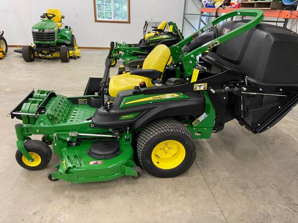 Photo 2015 John Deere Z950R Zero turn mower 7-Iron MCS bagger - $9,950 (Newton)