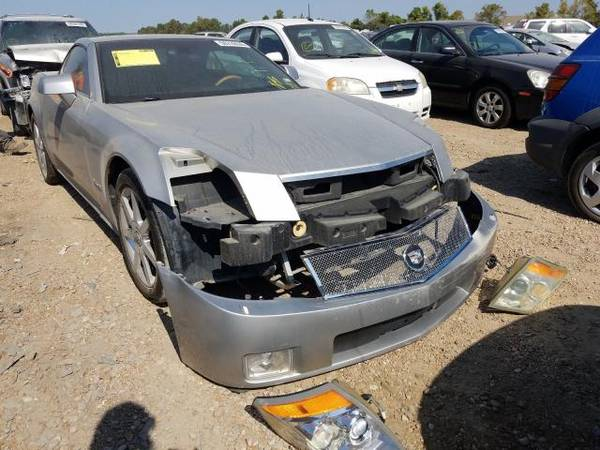 Photo Cadillac XLR Parts out 2004 2005 2006 2007 - $50 (chesterfield)