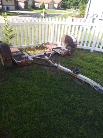 Photo DEMCO TOW DOLLY--MOVING MAKE OFFER - $1000 (ST. CHARLES)