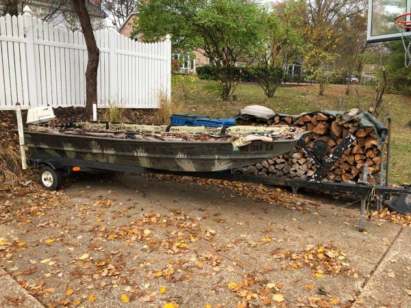 Photo Duck hunting Jon Boat fishing boat Duck boat John boat and trailer - $1,200 (Chesterfield)