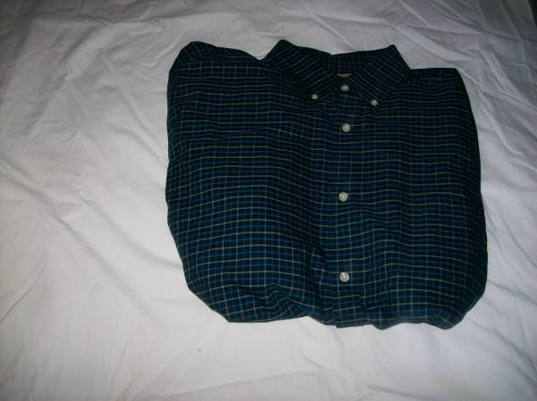 Photo NEW DARK-BLUE-PRINT MEN39S SHIRT---XLT (Extra-LargeTall) - $10 (St. Louis County)