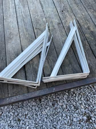 Photo White heavy steel ShelfCountertop brackets - $165 (Columbia)