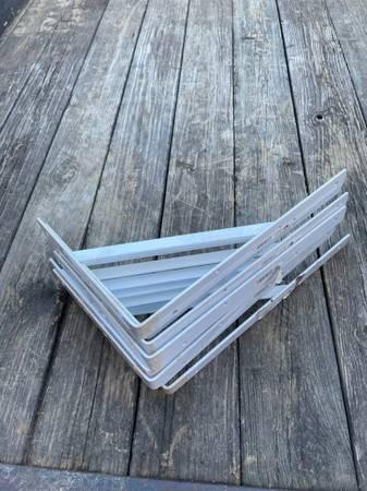 Photo White heavy steel ShelfCountertop brackets - $80 (Columbia)