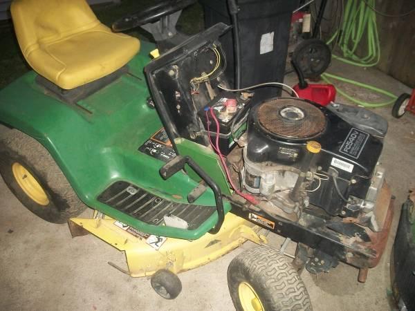 Photo john deere lx176 38 inch cut parts or repair - $99 (quincy)