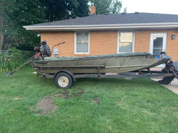 Photo 02 Fisher 1754 AW Duck Boat - $5,500
