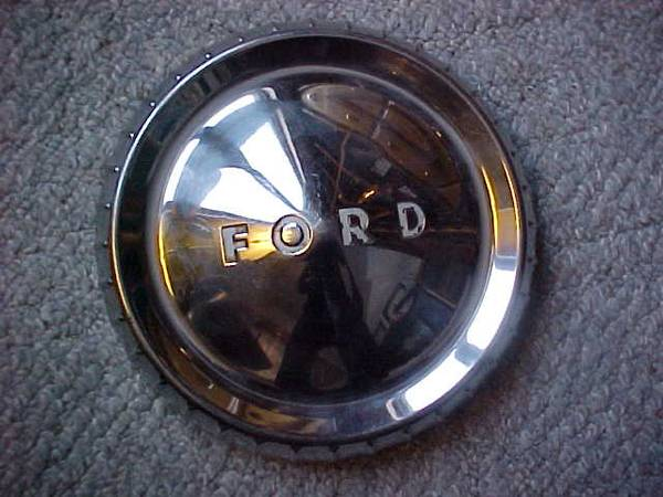 Photo 1960s Ford Falcon Dog Dish Hubcaps 9.9quot - $9 (Oak Creek)