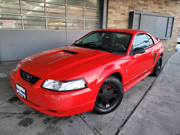 Photo 2000 FORD MUSTANG - $2,999 (MILWAUKEE WI)