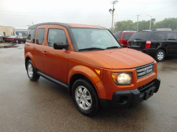 Photo 2008 HONDA ELEMENT EX AWD DRIVE LOADED AUTO SUPER CLEAN INOUT RUN NEW - $4,975 (I94EXTHWY20 WEST OF RACINE 5MILES)