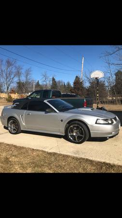 Photo 99 Mustang GT convertible - $4500 (Antioch IL)
